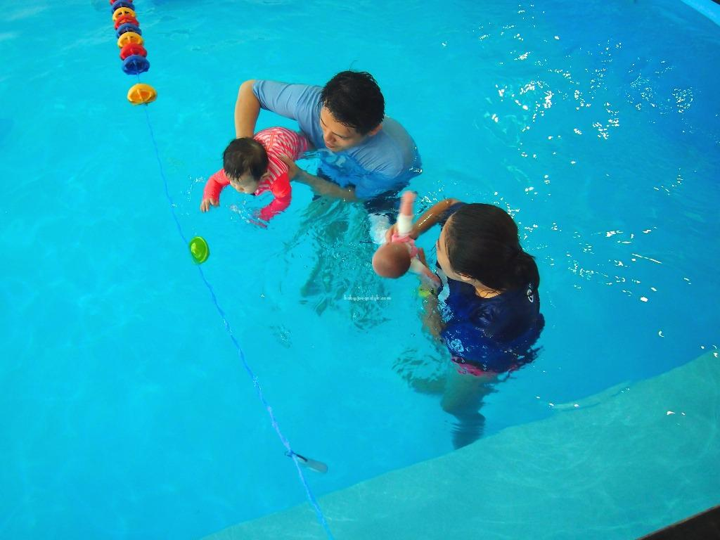 Kết quả hình ảnh cho baby fish swim