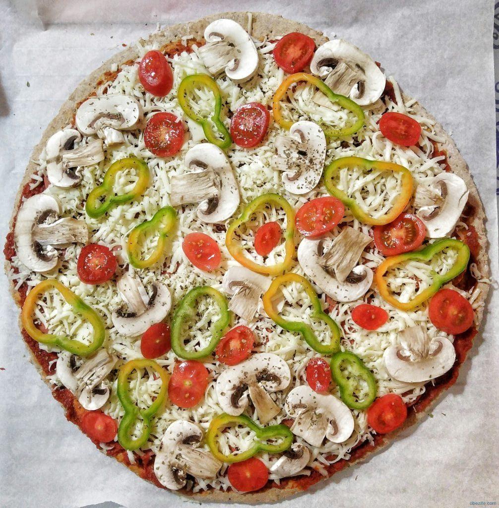 Diyet Pizzanın Yapılışı 1006x1024 - Diyet Pizza Tarifi