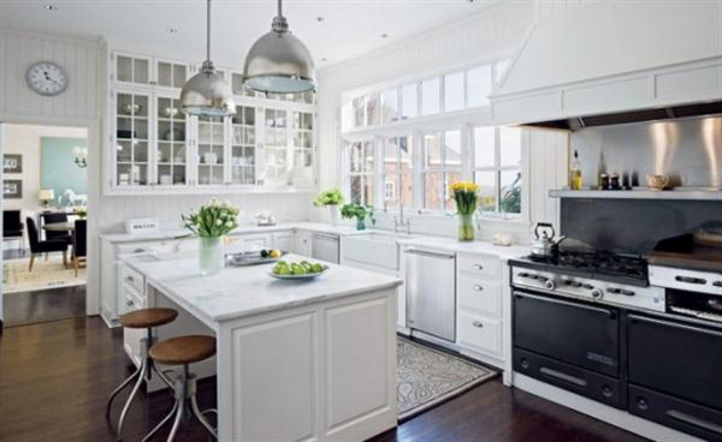 7223-luxury-white-kitchen-design-trend-2011-white-italian-kitchen_1440x900.jpg