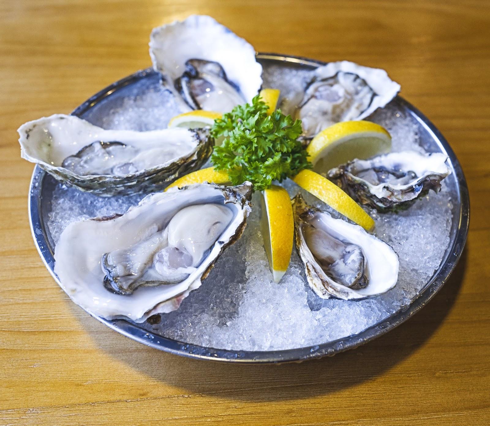f-oysters-L1080722.jpg