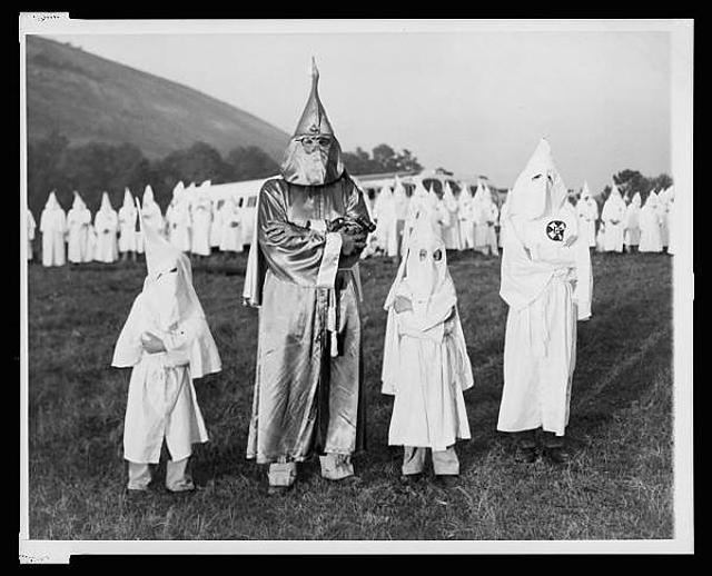 Resultado de imagen de racistas
