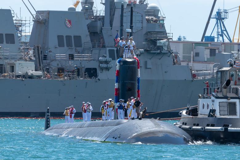 USS Santa Fe Returns from Deployment > Commander, Submarine Force ...