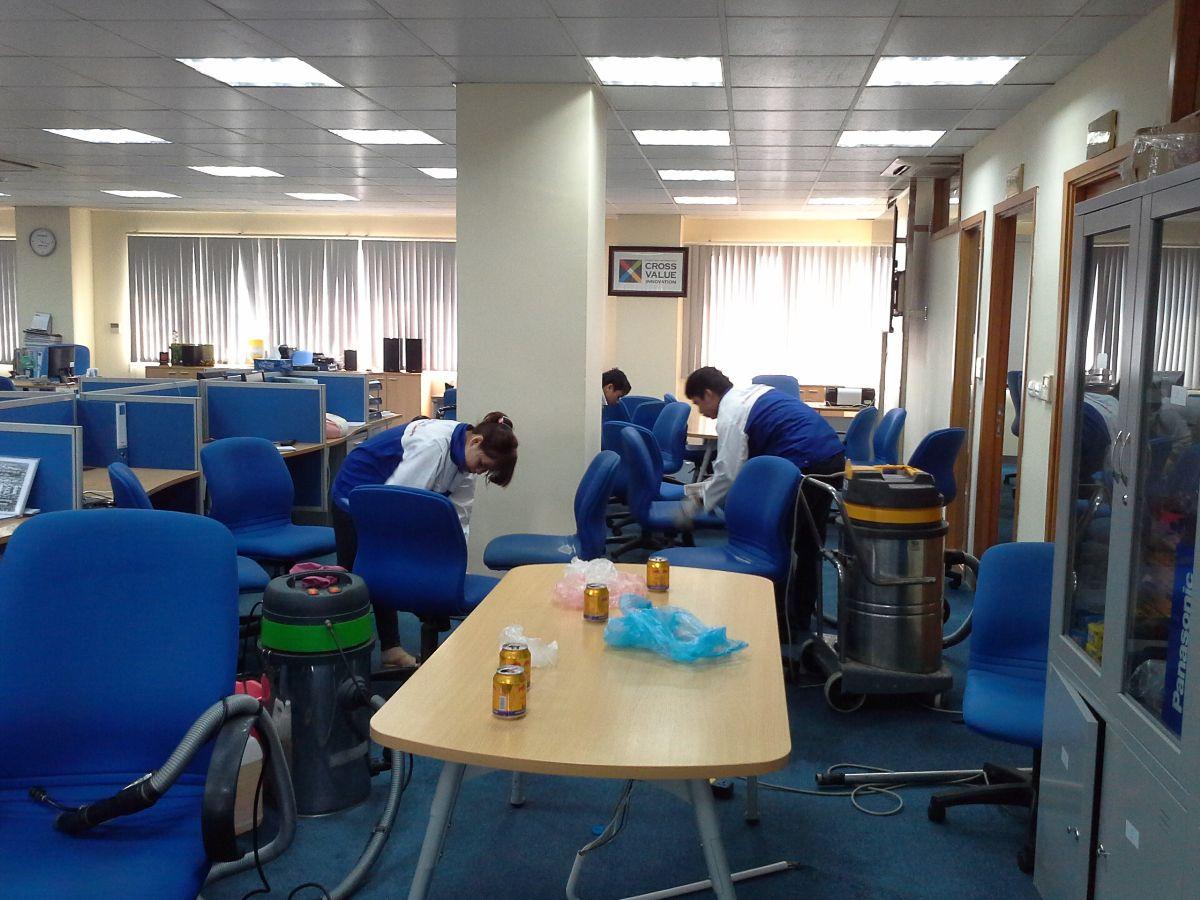 Dịch vụ vệ sinh đồ dùng văn phòng