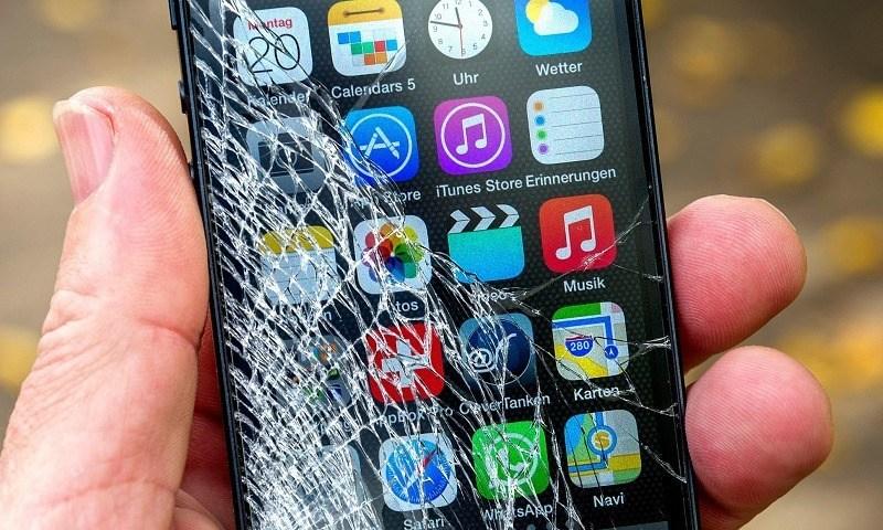 Thay màn hình iPhone XS chính hãng lấy ngay