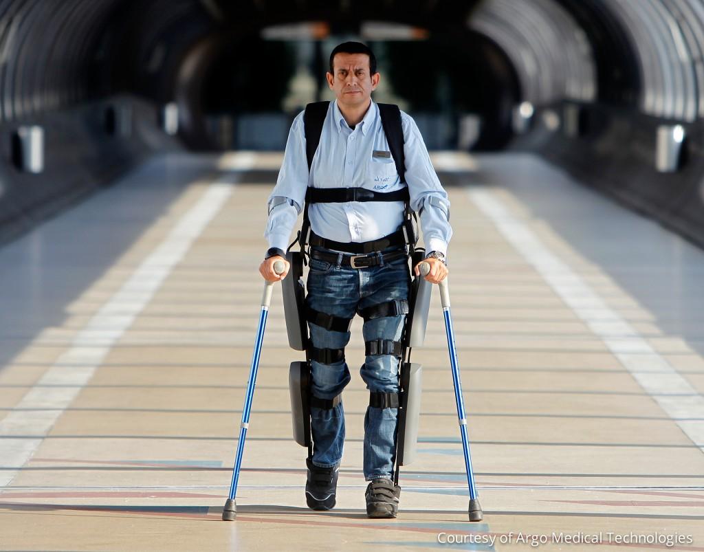 ReWalk – экзоскелет, позволяющий ходить людям, страдающим параличом нижних конечностей