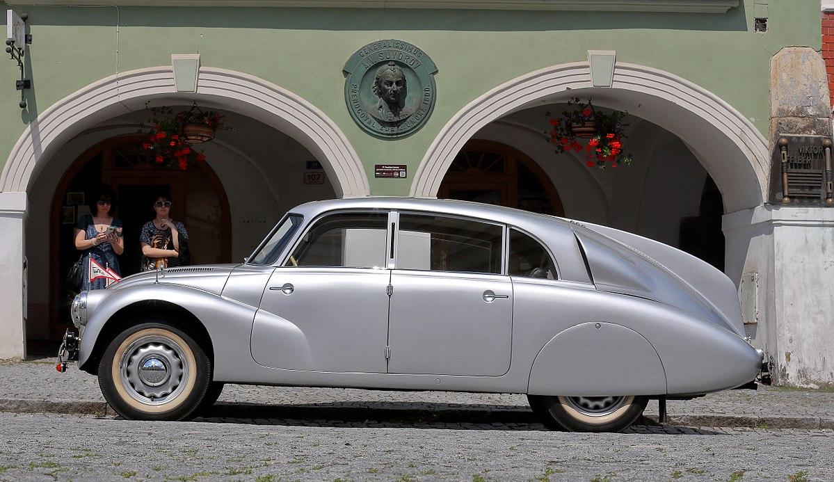 1200px-Tatra_87_(Foto_Hilarmont).JPG