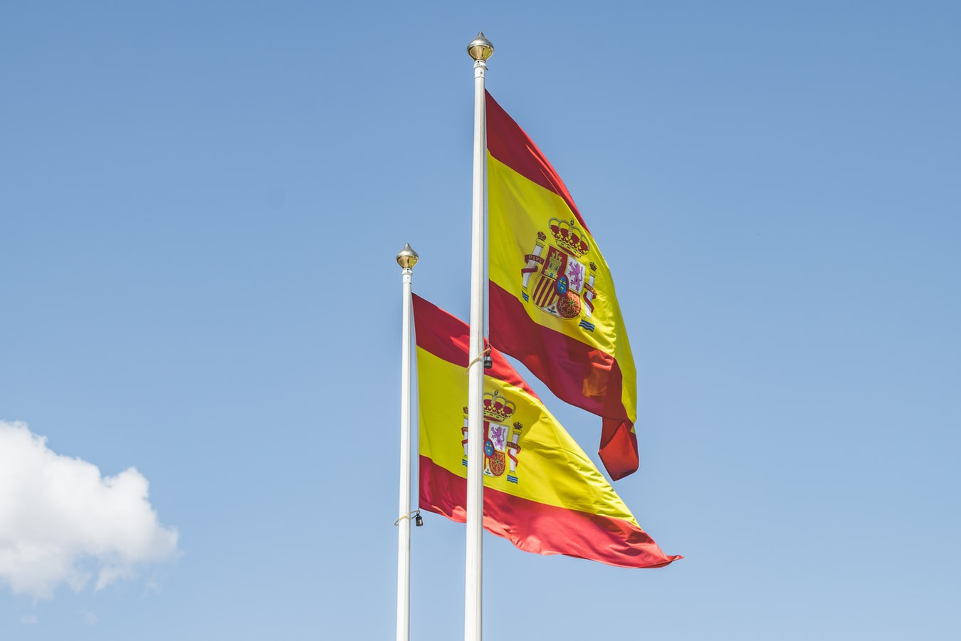 Vận chuyển hàng Tây Ban Nha về Việt Nam giá rẻ và an toàn