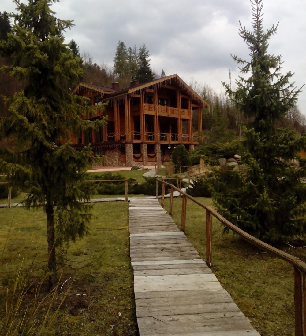 Резиденція «Ведмежа діброва»