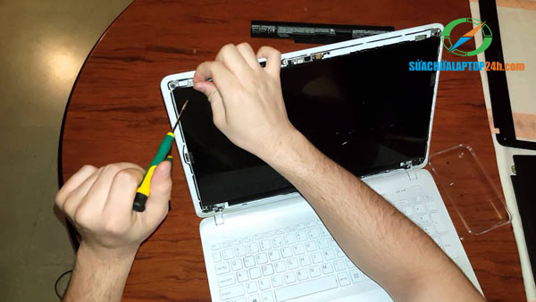 sua-vo-laptop-1