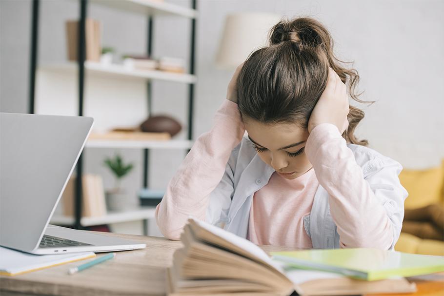 Лайфхак для родителей: как сохранить нервы, делая с ребенком уроки |  PriceMedia