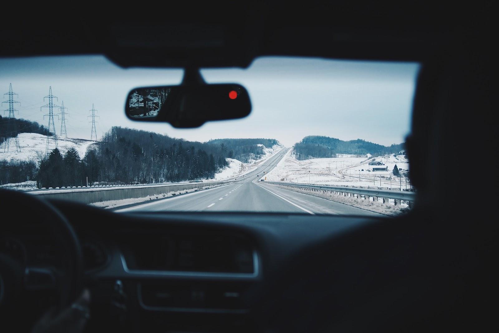 driving-916405_1920.jpg