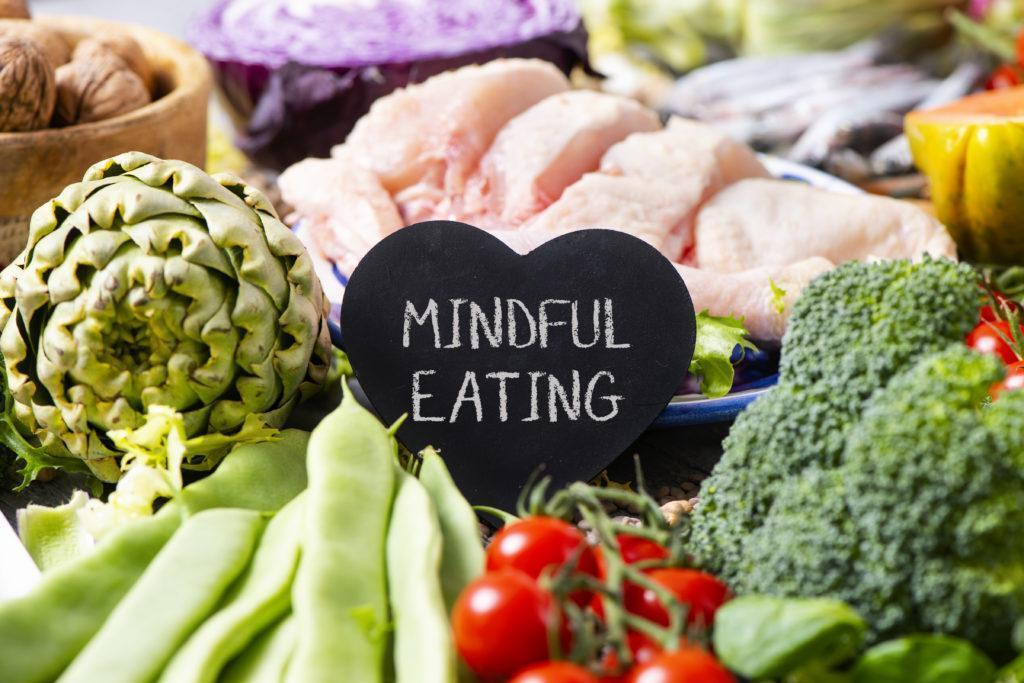 Mindful eating: what is it and what are the benefits?   SuperFastDiet
