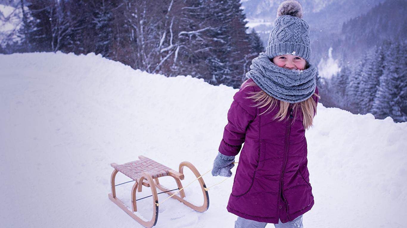 Winter_Snow_Sled_Little_girls_Jacket_Winter_hat_514885_1366x768.jpg