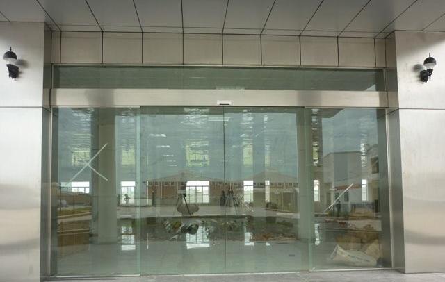Hãy đến với thietbitudong.net.vn sẽ tư vấn cho bạn những chiếc cửa cuốn tốc độ cao độc đáo nhất