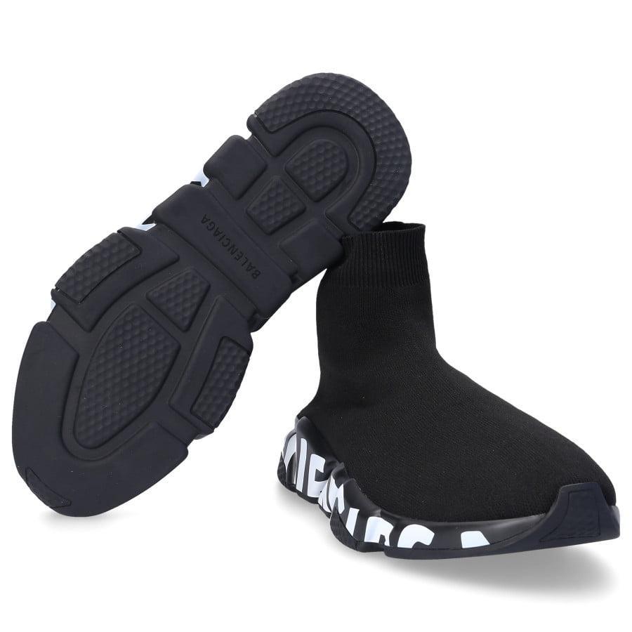 Swagger có bán rất nhiều mẫu giày đẹp khác nhau!