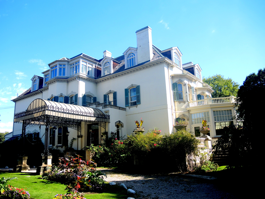 Most Iconic Houses in Canada real estate homes mansions historic spadina museum toronto
