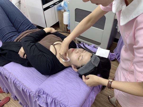 [醫美]大分子玻尿酸讓我擁有完美下顎線♥彥靚診所療程全紀錄♥