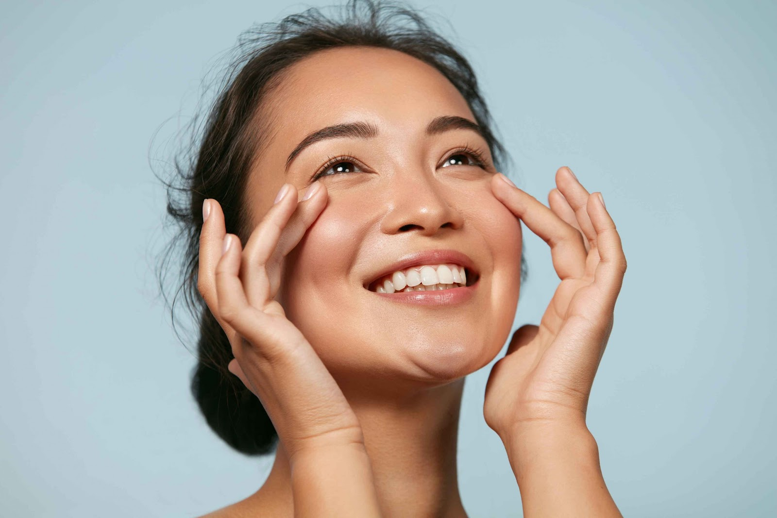 Book an Online Skin Consultation to Take Care of Your Skin Anytime!