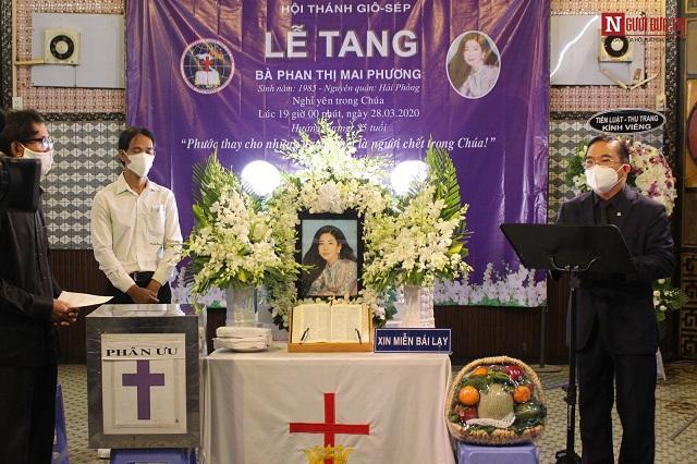 Le an tang dao Tin Lanh cua nghe si Mai Phuong.jpg