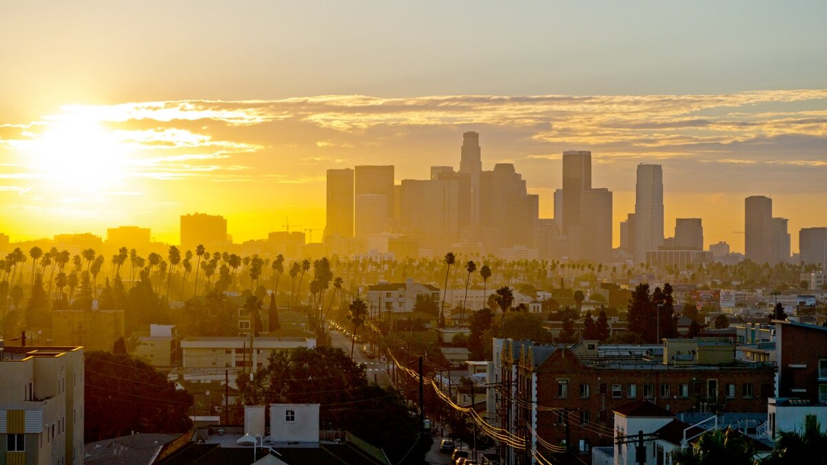 The skyline of Los Santos, as seen in GTA V, based on the real-world city of L.A.