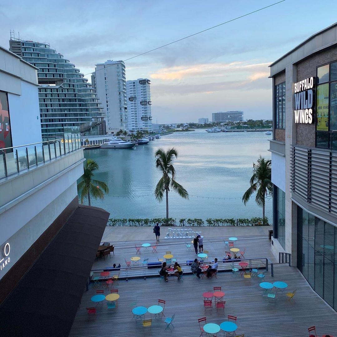 Marina Town Center Puerto Cancún