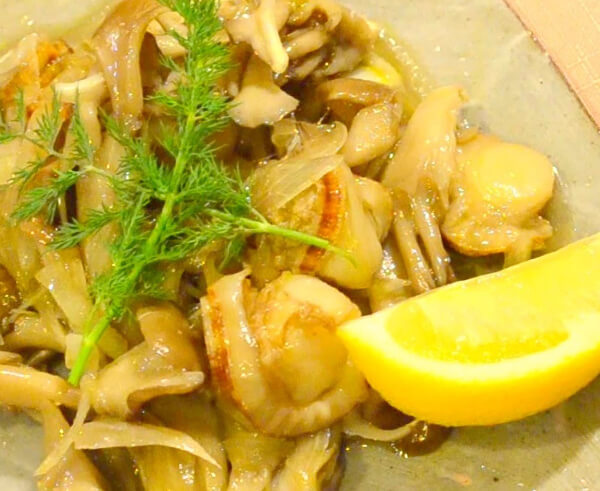 自帶鮮、甜、鹹、香的帆立貝,當然也適合加入任何青菜一起炒煮,鮮味炒手就可以掰掰了。