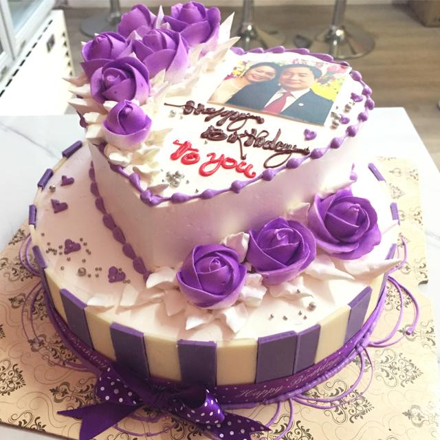 Các bạn nên chọn các đơn vị bán bánh sinh nhật nổi tiếng trên thị trường và có bề dày kinh nghiệm