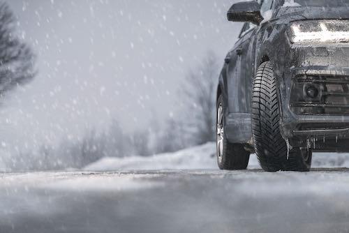 Czy już teraz powinieneś kupić nowy zestaw opon zimowych do SUV-ów?