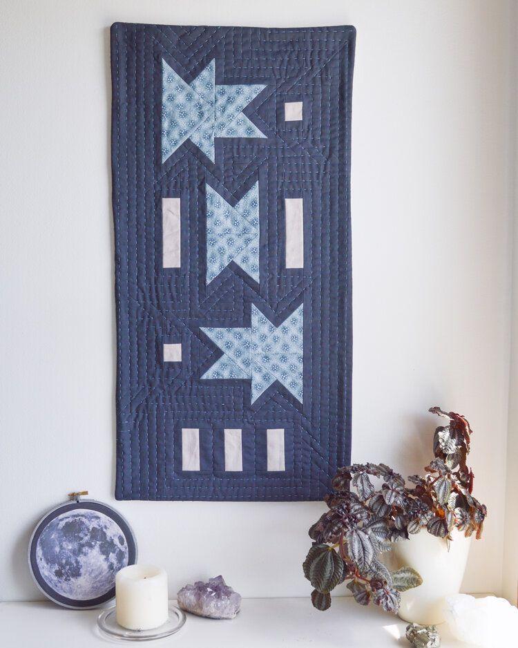 Comet Kin Mini Quilt wall pattern