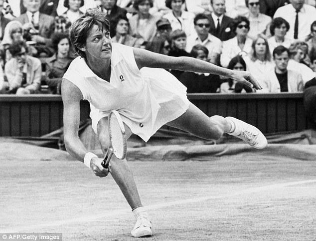 50E7653500000578-6229717-Australian_tennis_player_Margaret_Court_in_action_during_the_Wim-a-56_1538531198019 (1)