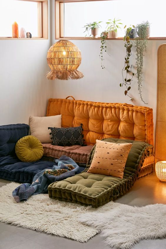 Design Floor Cushions As A Daybed