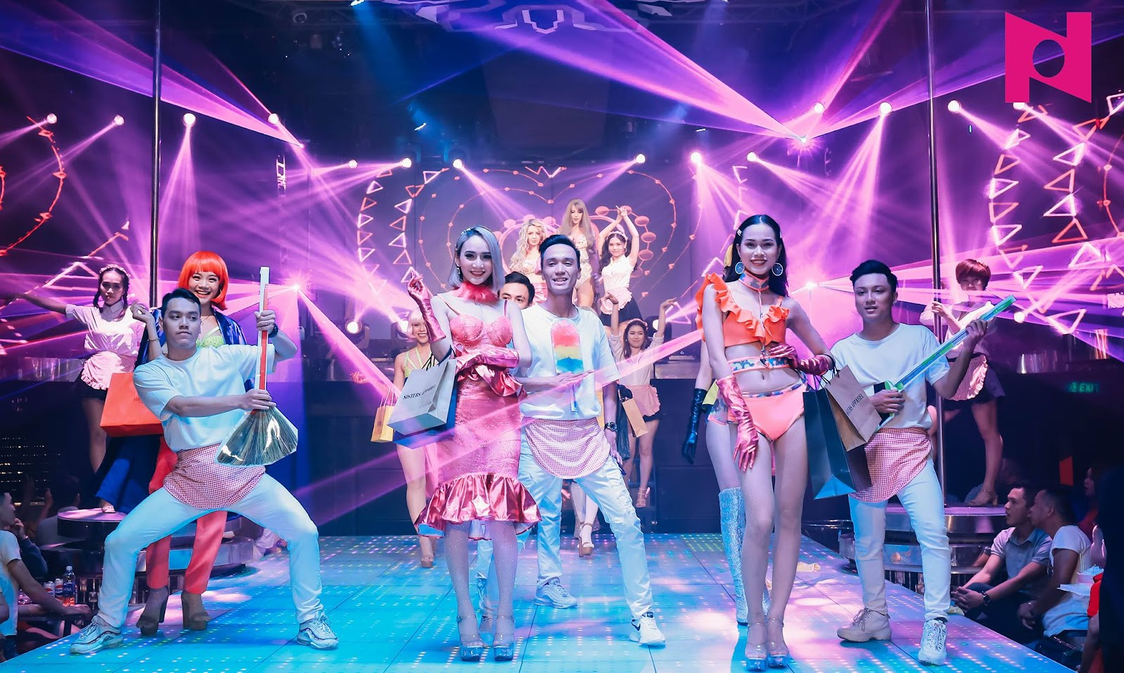 New Phuong Dong Club is a great way to spend your Danang nightlife
