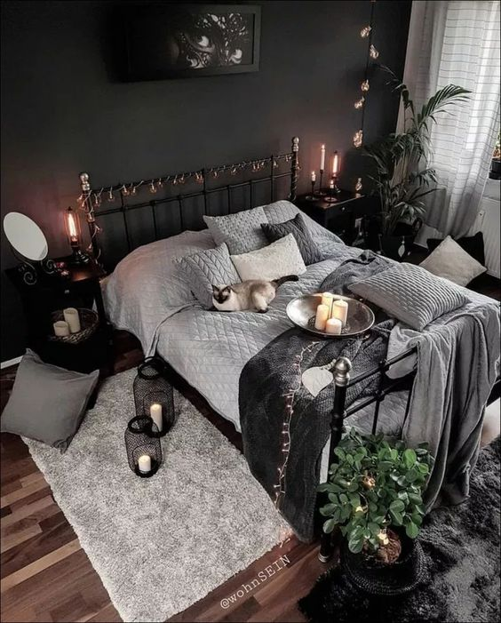 Halloween Decoration Ideas with a Color Palette