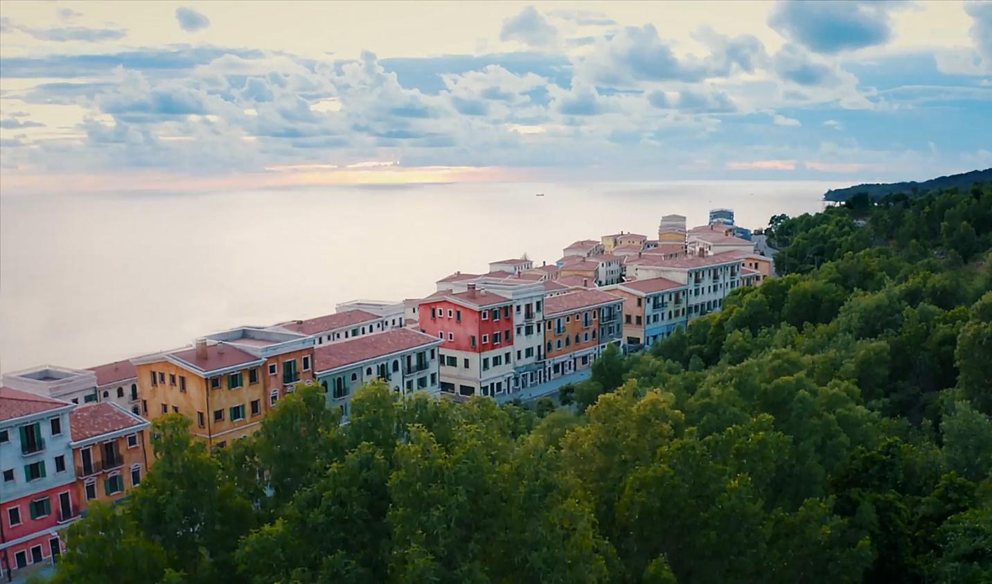 Dự án Sun Premier Village Primavera mang màu sắc Địa Trung Hải đang dần hoàn thiện.
