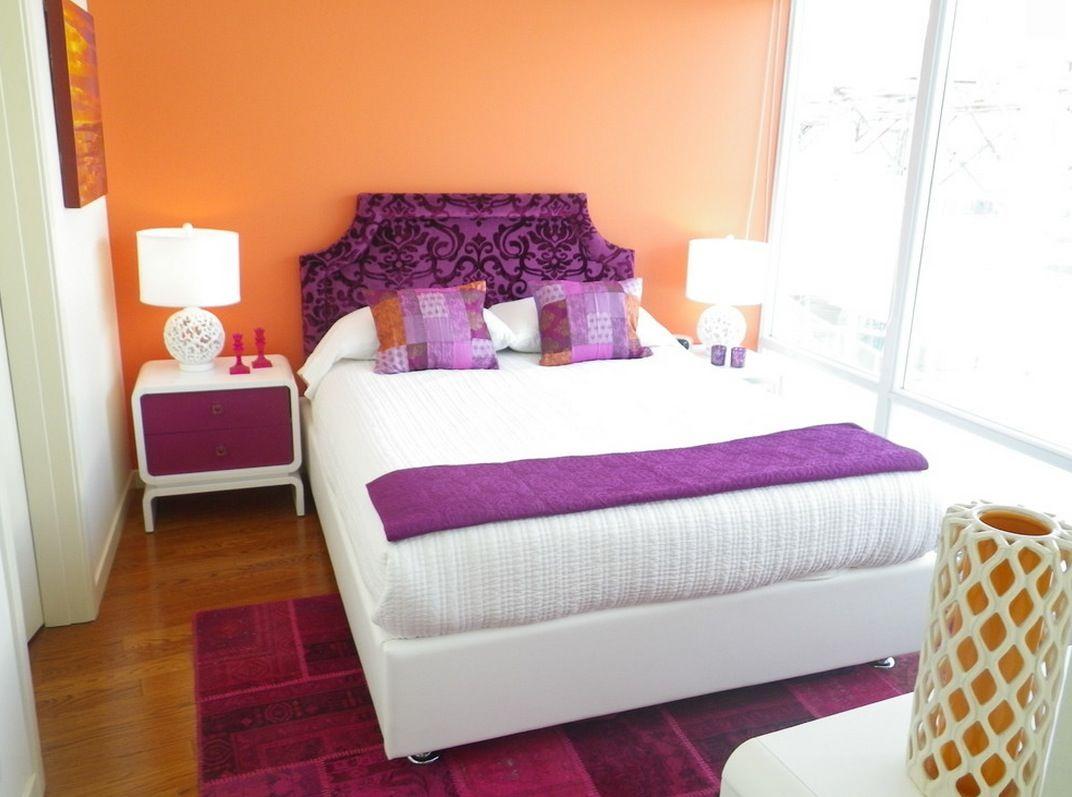 Gam màu tím - cam - trắng kết hợp tạo nên phòng ngủ đậm chất retro