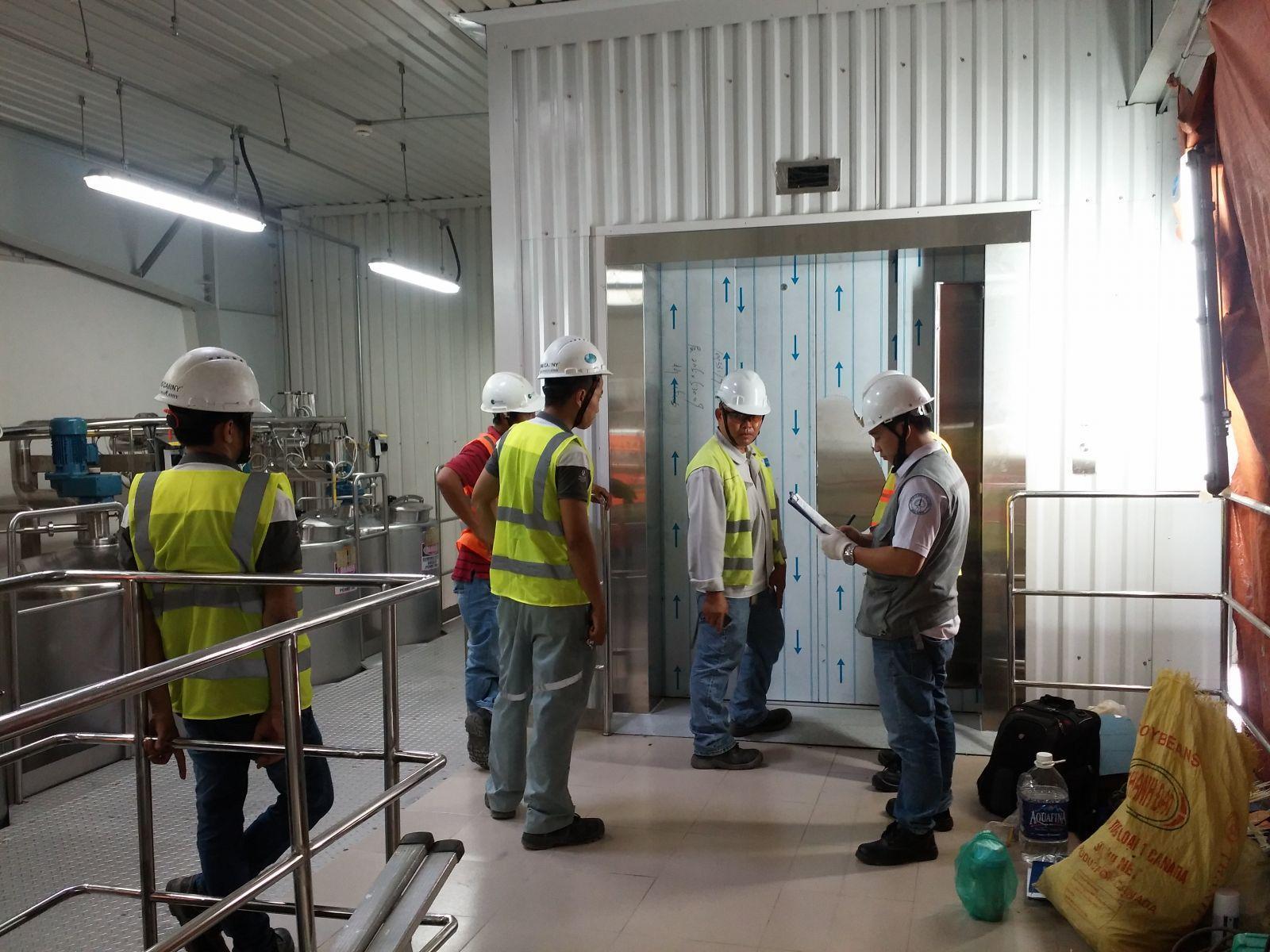 kiểm tra chất lượng thang máy nhập khẩu