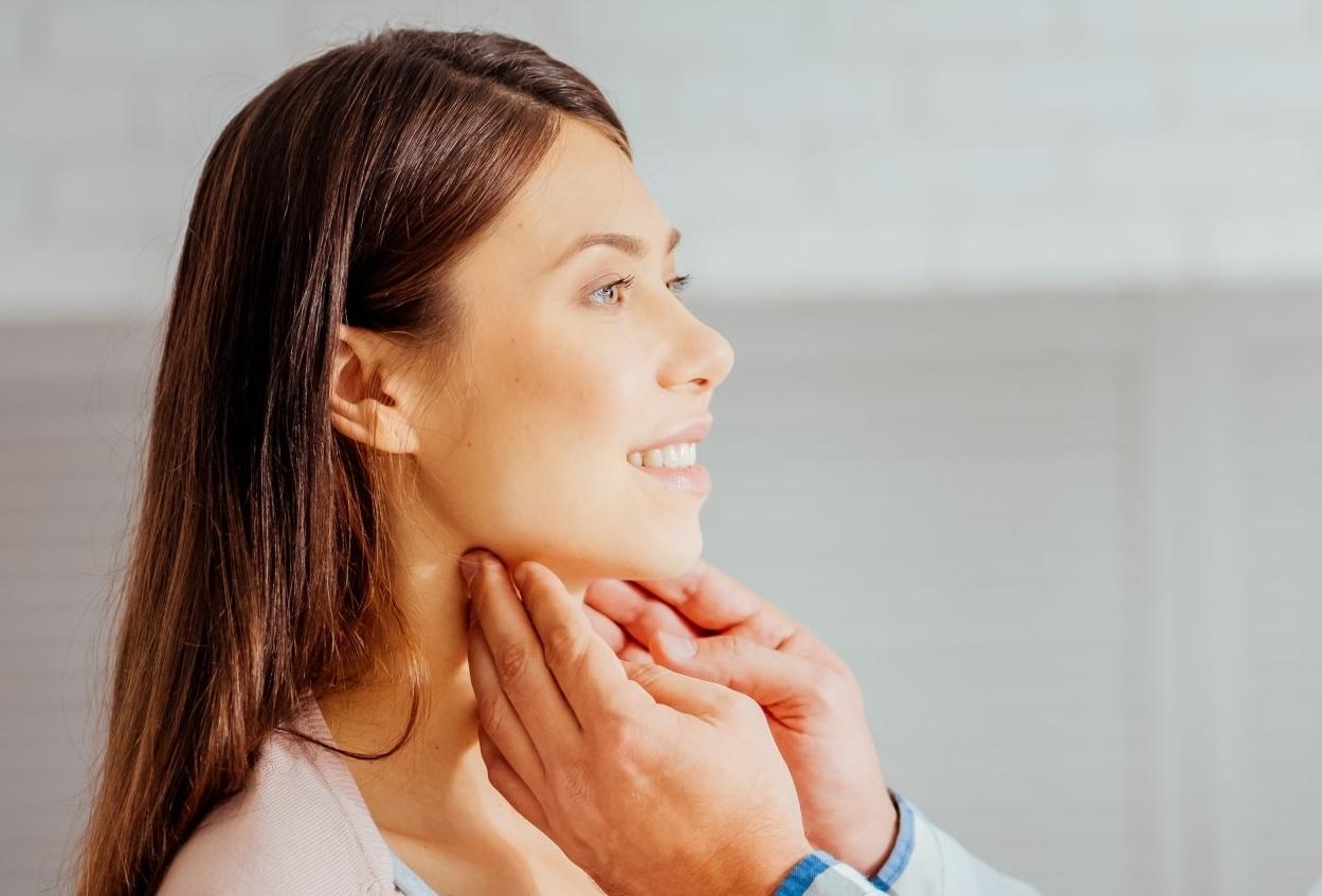 Πλεονεκτήματα LASER Μικροχειρουργικής Καρκίνος του Λάρυγγα Λαρυγγιτιδα πολυποδας φωνητικων χορδων Καρκίνος Λαρυγγα