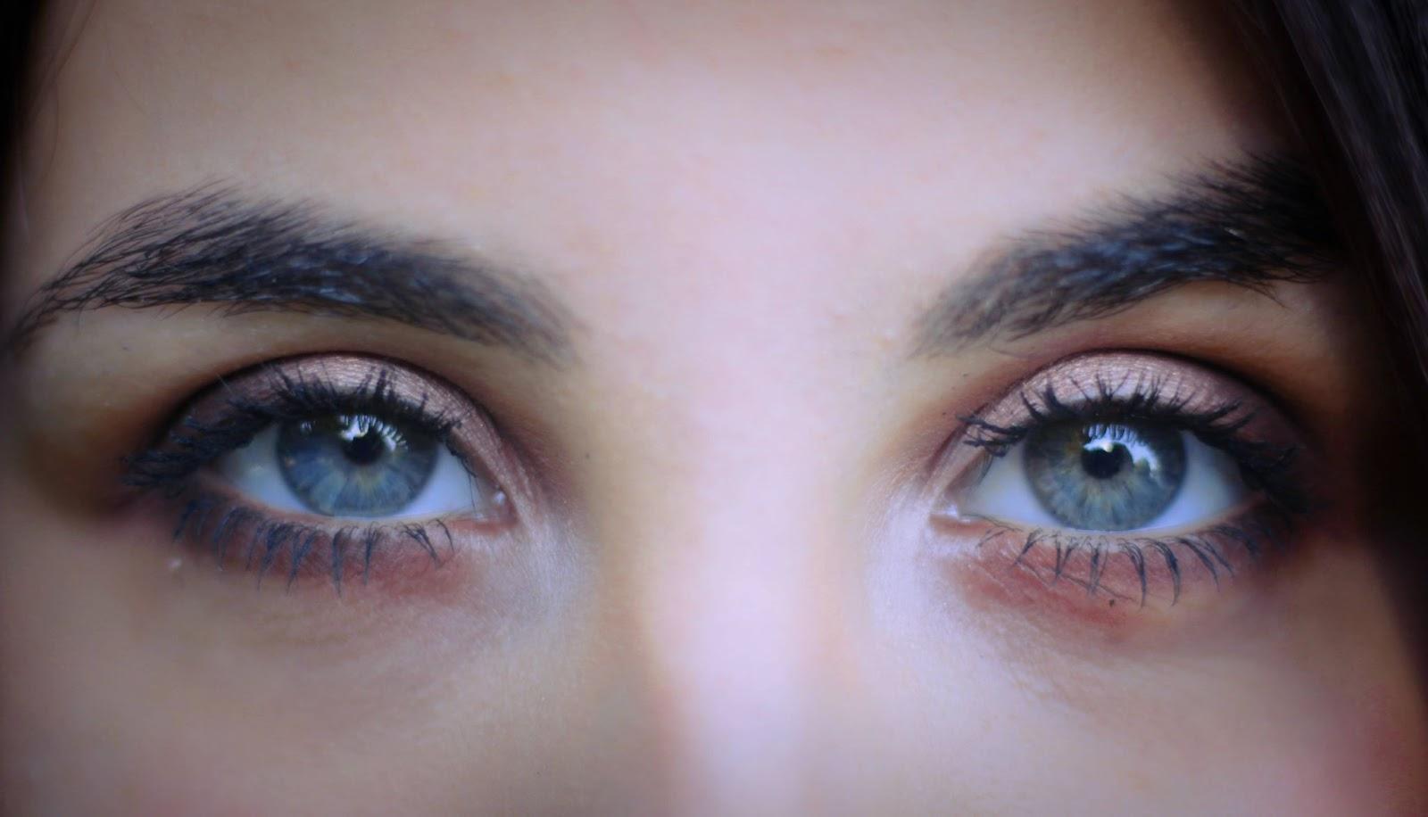 woman-blue-eyes