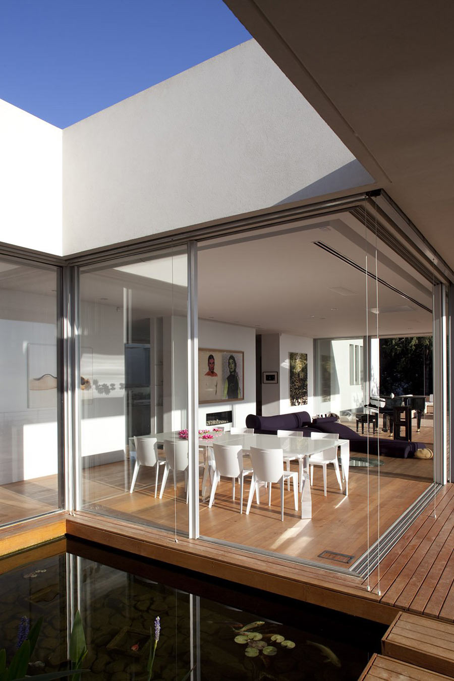 Transform Your Dining Room Space Closer to Outside Space