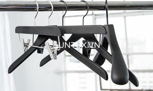 Suntex địa chỉ cung cấp móc treo quần áo màu đen bền bỉ
