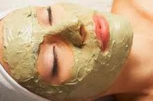 Trị mụn trắng da hiệu quả với mặt nạ bột đậu xanh