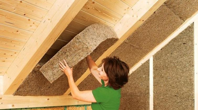 aislante-fibra-madera-construccion-sostenible