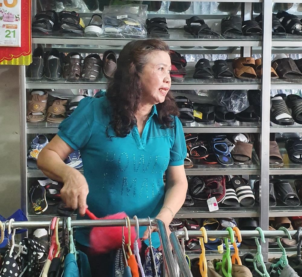 Bà Huệ bán hàng nên bị khản tiếng, đã cải thiện nhờ uống Tiêu Khiết Thanh