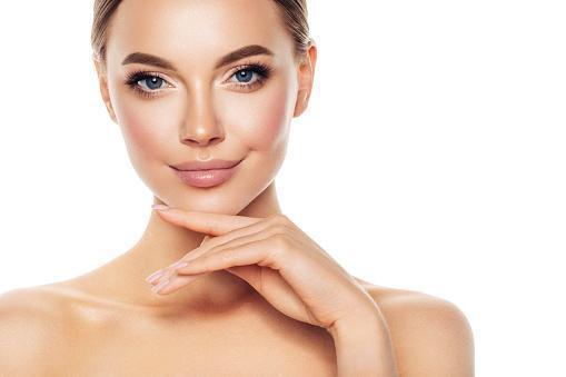 https://media.istockphoto.com/photos/beautiful-woman-picture-id1189894004?b=1&k=6&m=1189894004&s=170667a&w=0&h=eJsc677JIlgAv7jXPO-hqcdMH17kMIn_BjITX2P_Zgs=