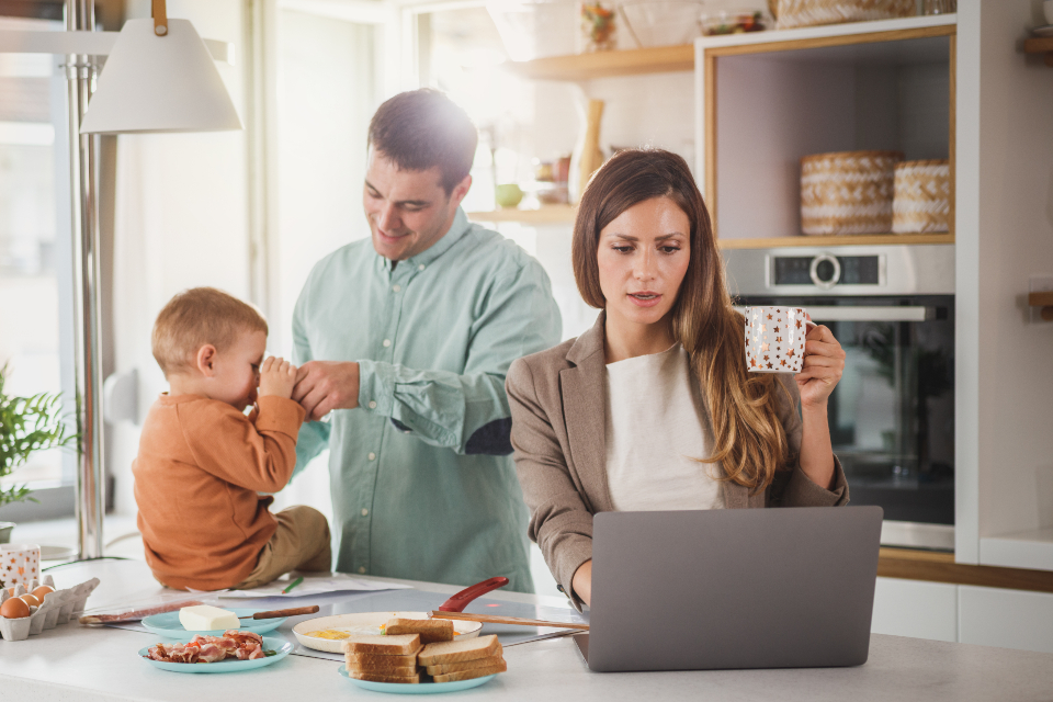 working mom running a successful online business
