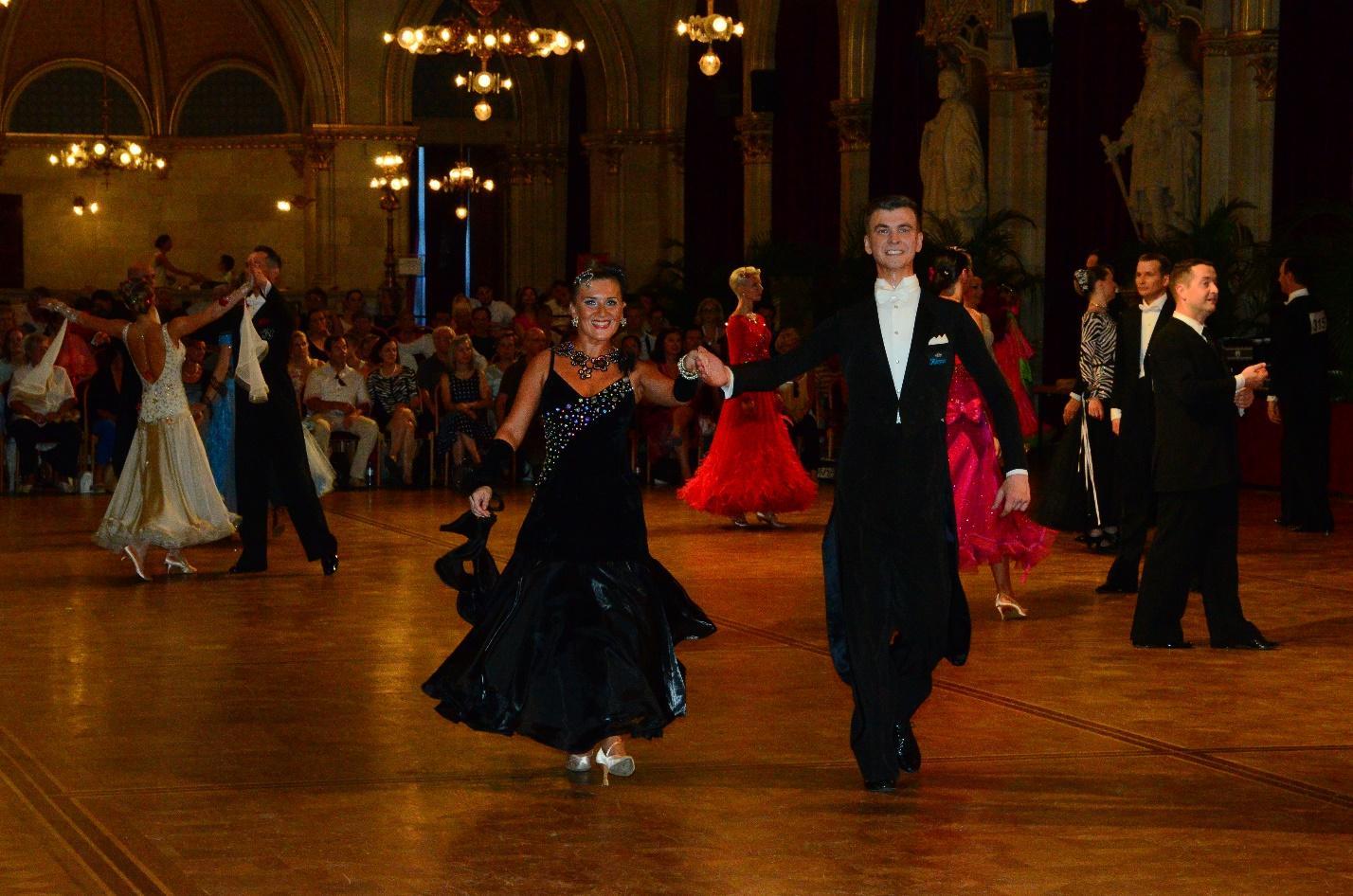 Танцевальная пара Александр и Екатерина