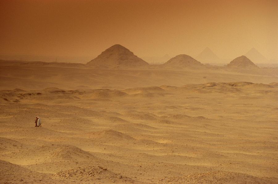 two-men-cross-the-barren-desert-at-giza-kenneth-garrett.jpg