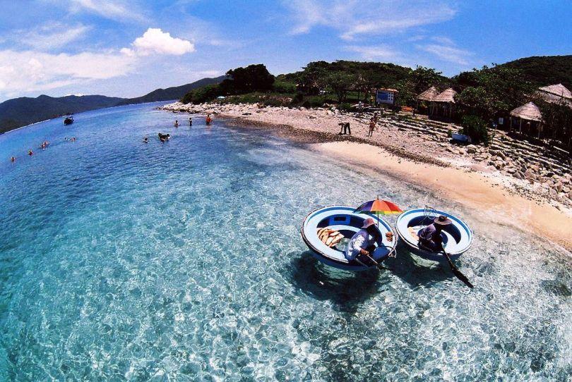 Thuê xe 7 chỗ du lịch Đảo Hòn Mun