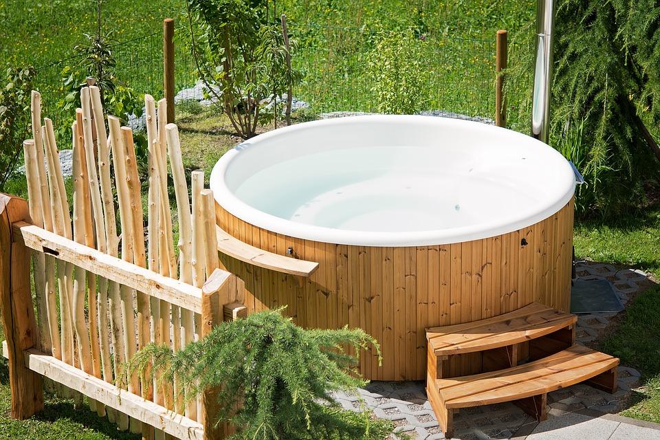 hot tub 3.jpg
