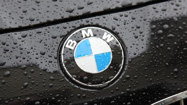 ใบพัดสีฟ้าของ BMW ที่สร้างความน่าเชื่อถือมากว่าร้อยปีของรถค่ายนี้